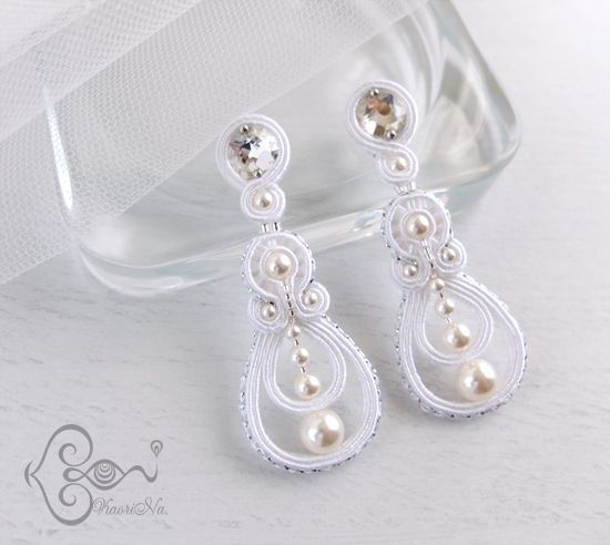 "ソウタシエ・イヤリング ""Wedding Bell"" earrings by KaoriNa."