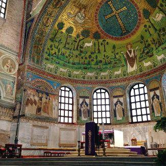 """Sant'Apollinare in Classe - """"Ravenna inside. Acht Gründe, die Stadt zu besuchen"""" by @puriy"""
