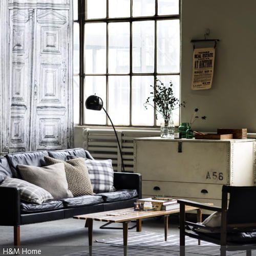 Das Vintage Sideboard Ist Das Schmuckstück Dieses Raumes. Es Ist Zwar  Schlicht, Zieht