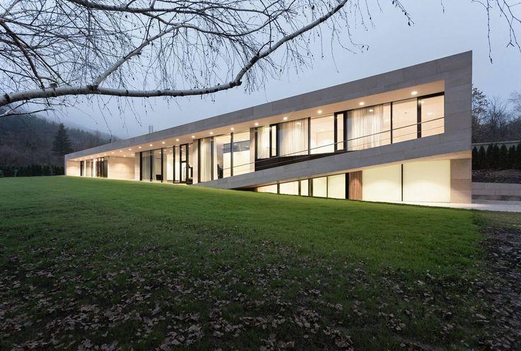 Galería - Casa larga en pendiente ligera / I/O Architects - 12