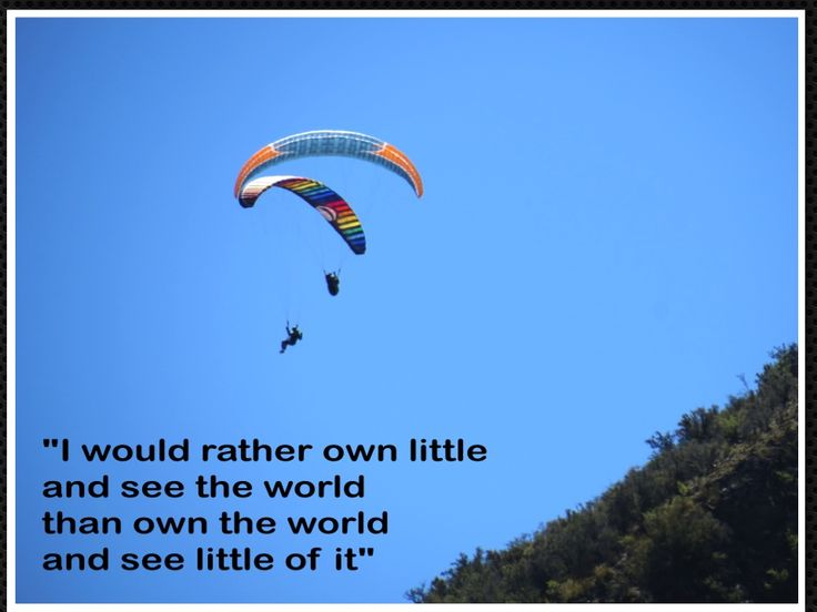 Paragliding from Mount Iron, a spectacle on a beautiful day.