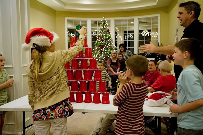 Minute to Win It Christmas themed games.  Fun for a Christmas party!