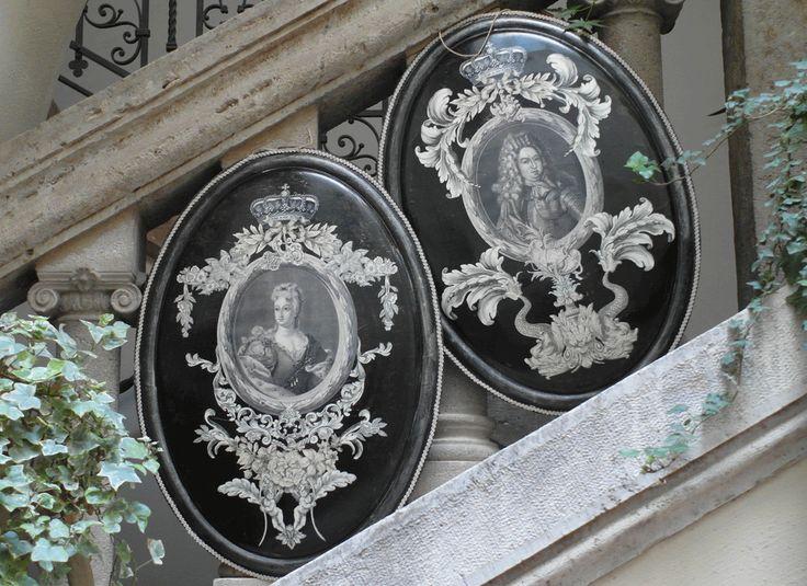 Medaglioni in ferro in stile Print room