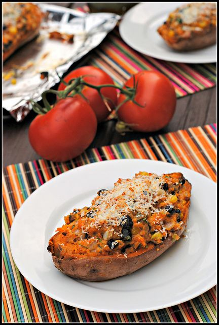 Southwestern Stuffed Sweet Potatoes: Southwest Stuffed, Sweet Potatoes Interesting, Stuffed Sweetpotato, Southwestern Sweet, Recipes, Nummies Nummies, Stuffed Sweet Potatoes, Southwestern Stuffed, Southwest Sweet