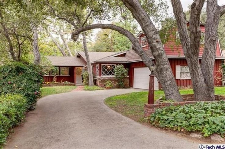 Robert Byrd Architect Interiors | Robert Byrd-ish Country Farmhouse in La Canada Asking $917k - Curbed ...