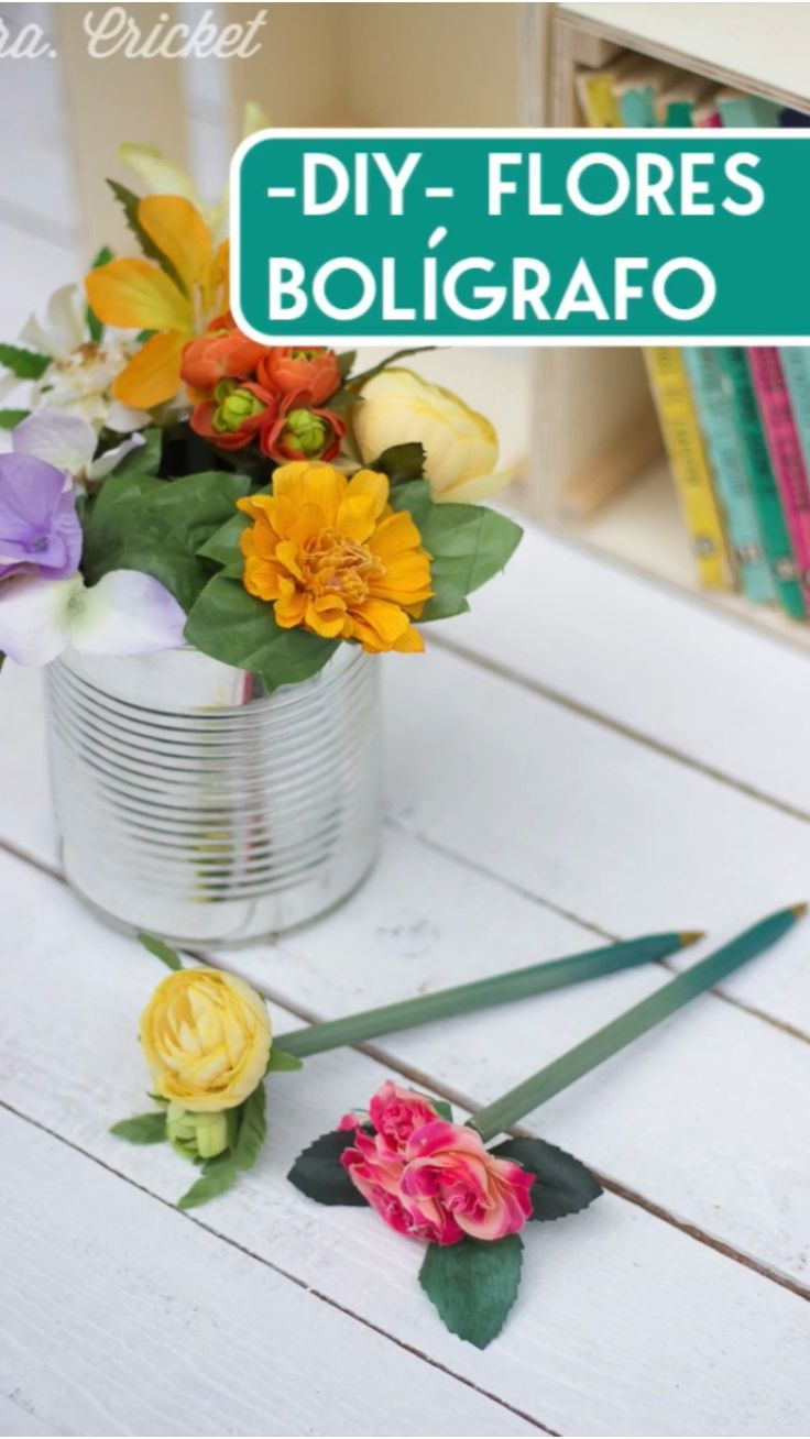 Upcycled Crafts, Easy Crafts, Diy Y Manualidades, Flower Pens, Pen Design, Romantic Gifts, Diy Videos, Artificial Flowers, Diy Gifts