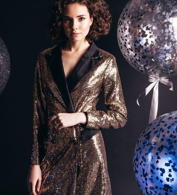 Платье-смокинг, Цена— 39990 рублей