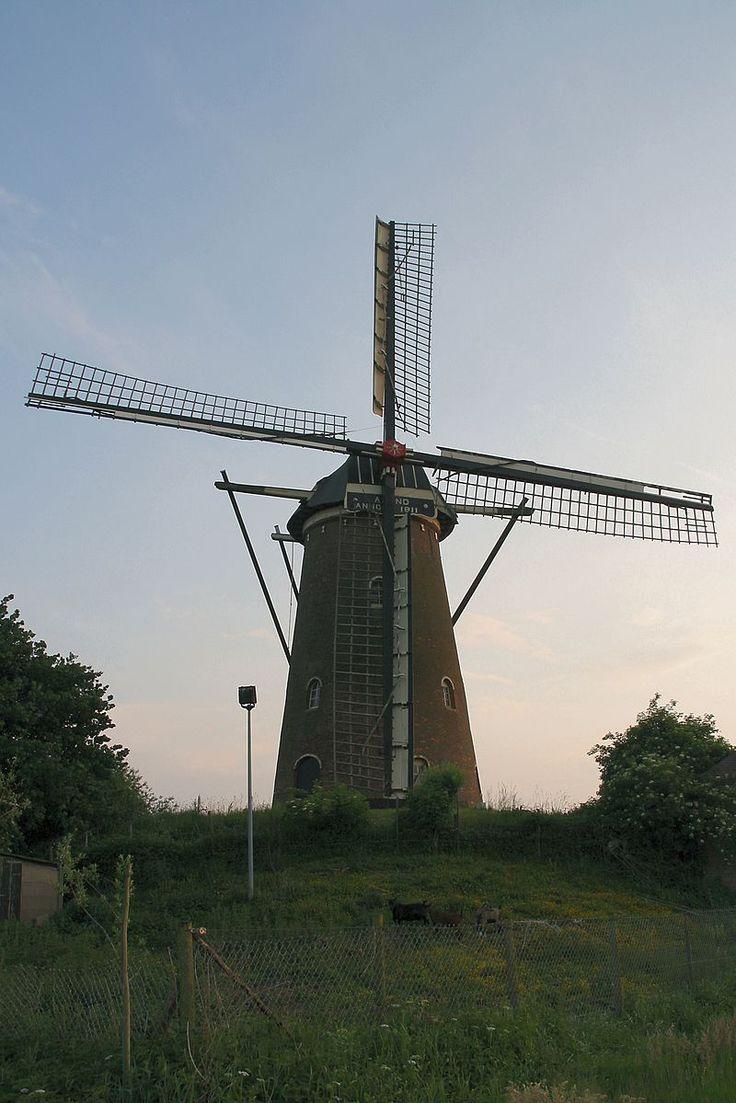 Wouw - molen De Arend.jpg