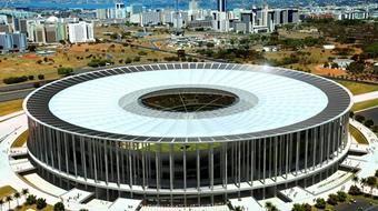 A cidade mais moderna e planejada do Brasil, não poderia deixar de ser uma das sedes da Copa. O estádio Nacional de Brasília foi construído encima do antigo estádio Mané Garrincha e terá a segunda maior capacidade de público com 70.042 espectadores. Brasília receberá sete jogos do mundial, incluindo uma de quartas de final.