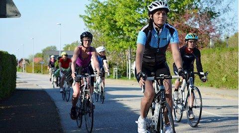 kvindecykling-dgi-landevej.jpg