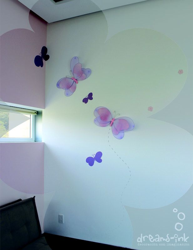 a coll way to mix #babiesrus butterflies with #handpainted #murals  by #dreamsink_murales