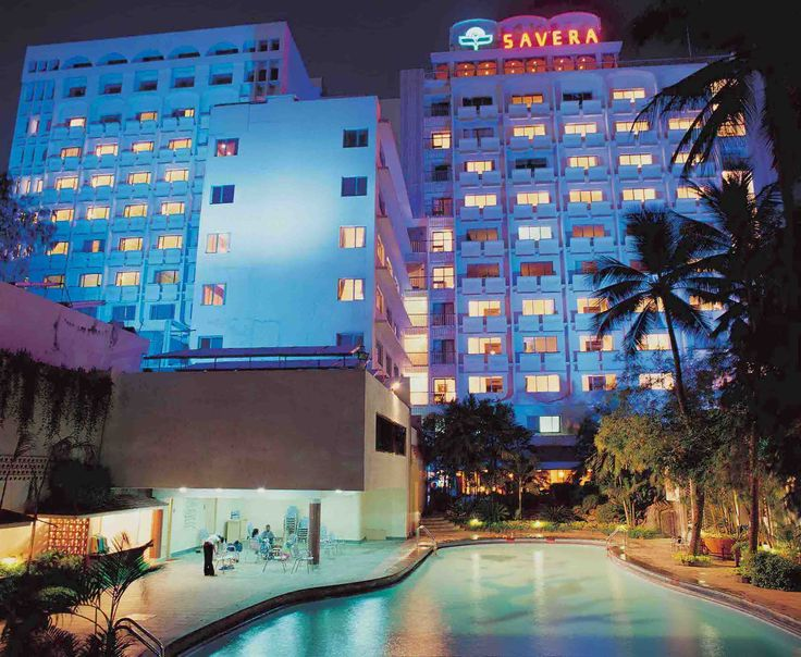 Hotel Savera in Chennai is a lavish #boutiquehotel, that can be easily located at Dr. Radhakrishnan Road. Hotel Savera offers a #pleasantstay experience with its comfortable rooms that are equipped with all modish amenities. It is a nice blend of easy accessibility, delicious #cuisine and warm ambiance. #luxuryatitsbest #onlyforluxury #hotels #chennaidiaires #accommodation