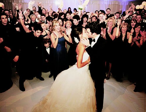 definitely want a picture like this! what a way to squeeze in the family & guests!: First Dance, Photo Ideas, Pictures This, Great Shots, Group Shots, Wedding Photo, Fun Pictures, The Dresses, Wedding Pictures