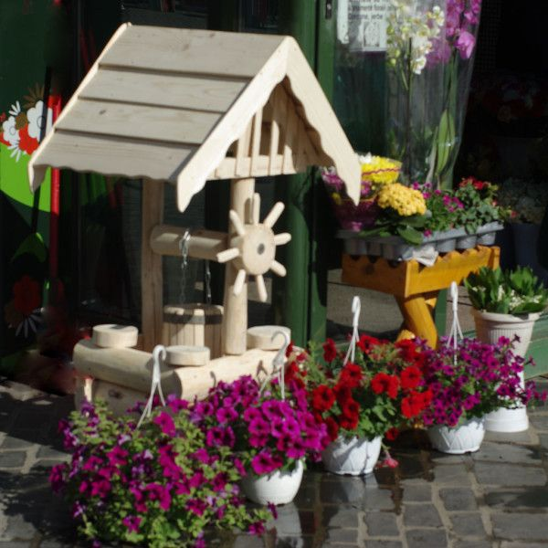 Wooden Wishing Well Planter Plans Woodworking Projects Plans