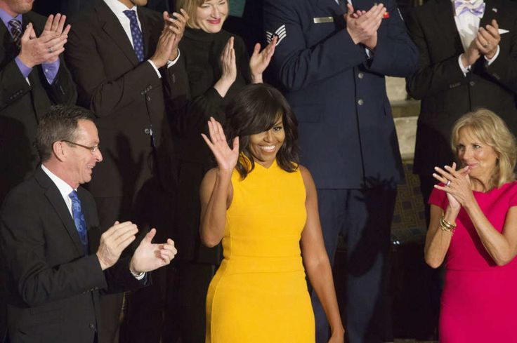 The Color of Michelle Obama's State of the Union Dress Was Very Controversial -  Fraaie kleur, komt dichtbij de oranje/goud die in de gaan maken!