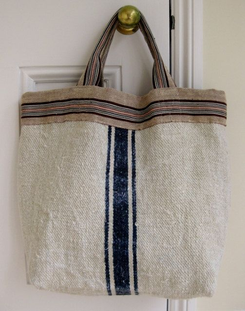 looks like I could make this with a painters' drop cloth. I think I'll try.