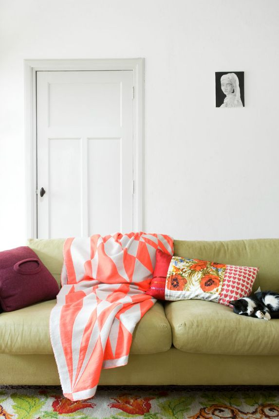 Love this blanket!Cat, Marjon Hoogervorst, Couch, Living Spaces, Colors, Interiors Design, Living Room, Hoogervorst Photography, White Wall
