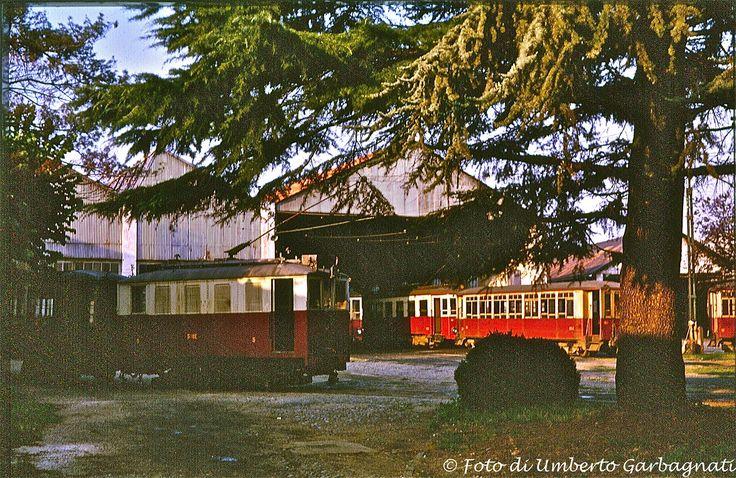 ...tranvia intercomunale Milano-Gallarate locomotore STIE-5 - deposito di Legnano - 20 giu 1964 - © Umberto Garbagnati -