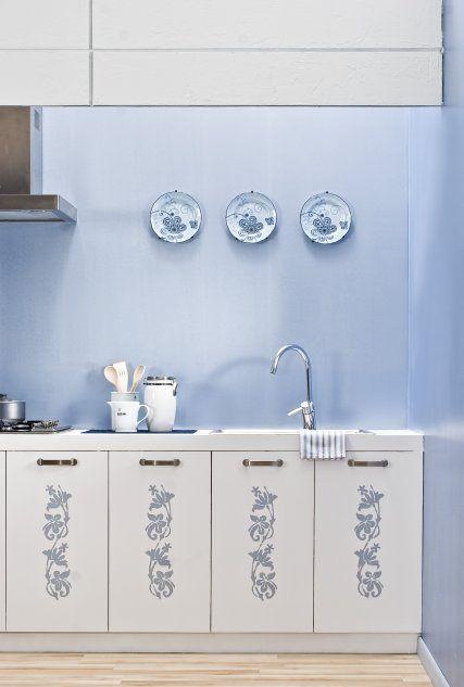 Ściana w kuchni malowana farbą