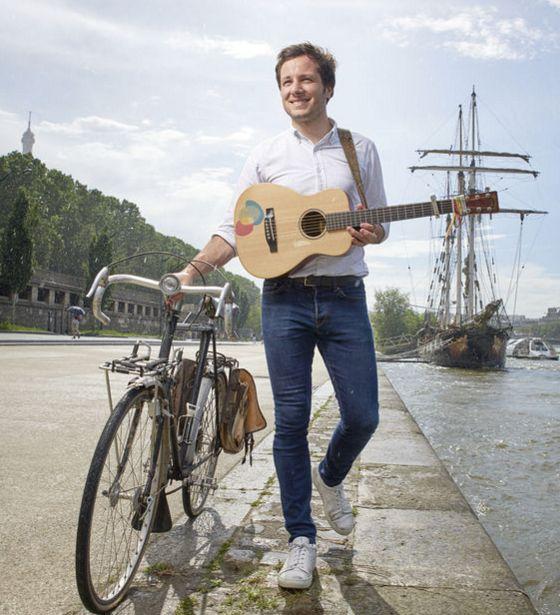 Révélé par «Pas là», le jeune chanteur cache un vrai cœur d'aventurier romantique