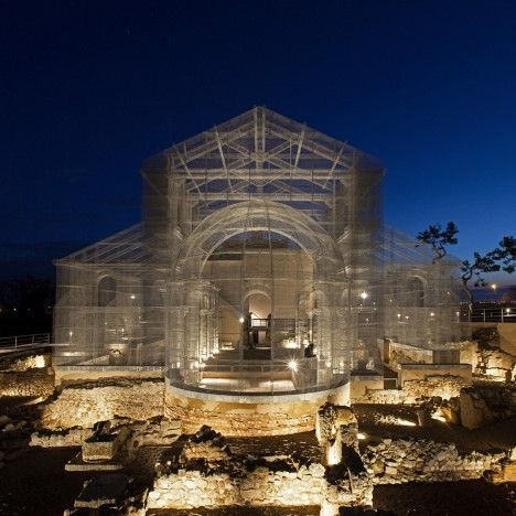 Edoardo Tresoldi uses wire mesh to reconstruct ancient Roman church in Italy