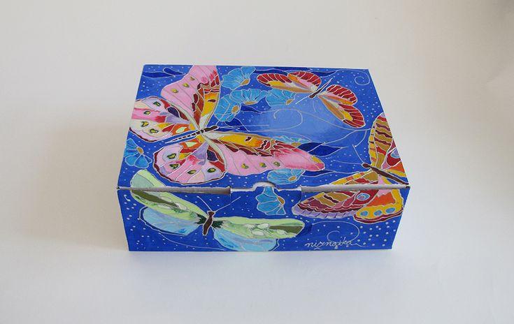painted carton box