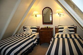 Carmel Bed and Breakfast Inn, Carmel Hotel Lodging, Carmel-by-the-Sea CA- Blue-Bird Cottage@lamplighter inn