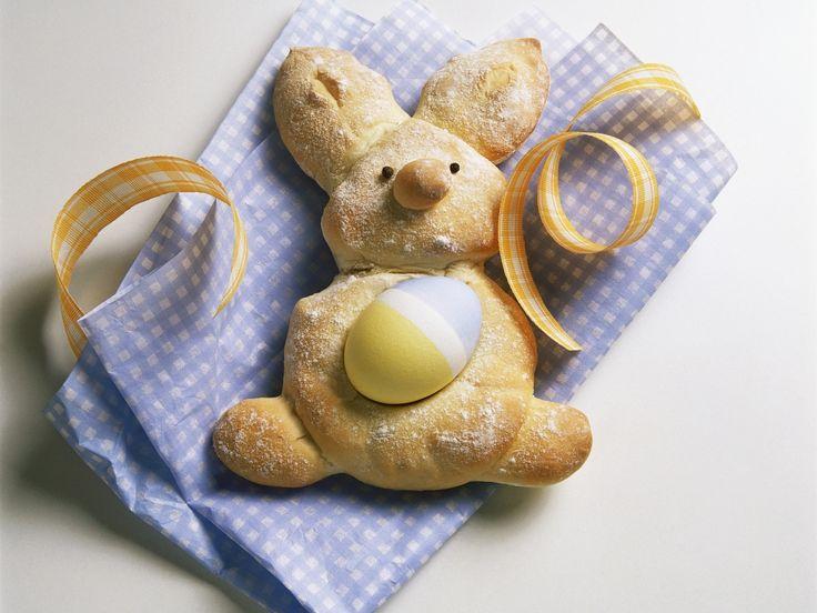 Süßes Häschen: Gebackener Osterhase mit Mandeln - smarter - Zeit: 30 Min.   http://eatsmarter.de/rezepte/gebackener-osterhase
