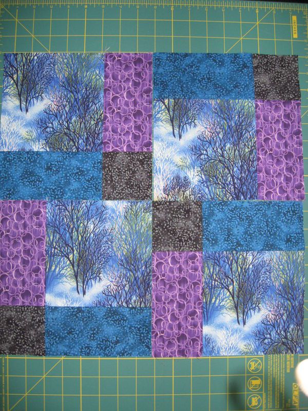 Quilt Patterns With 3 Fabrics : 25+ best ideas about Disappearing nine patch on Pinterest Disappearing 9 patch, 4 patch quilt ...