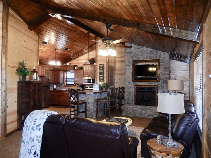 Hilltop Getaway:Family Cabin on 3 acres with cozy fireplace and outdoor fire pit. This luxury vacation rental Cabin in Smithville, Oklahoma, just north of Br...