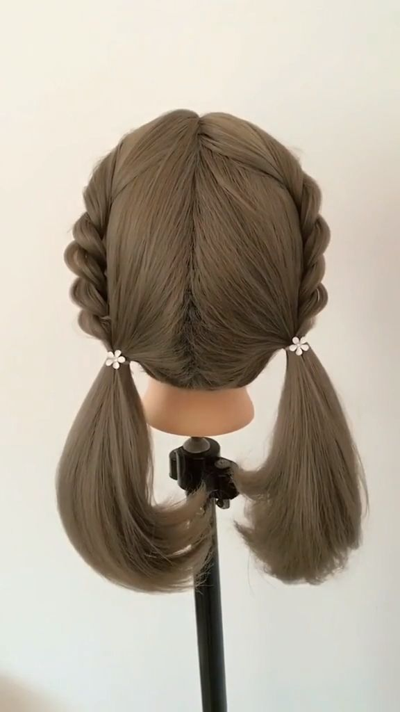No matter the length of hair, girls can have braided hair style. But this year, girls may as well be creative in braiding. Weave their own personalized braids to create an image of beauty with recognition. Selected from all kinds of creative braids of girls. If you want to be a non mainstream goddess