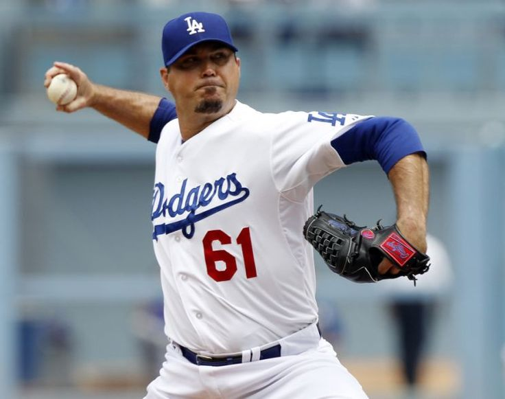 Josh Beckett arrested for public intoxication after allegedly tackling singer    -  November 11, 2017.  Former MLB pitcher Josh Beckett was arrested early Saturday after tackling a country music singer at an open mic night in Texas. (AP)