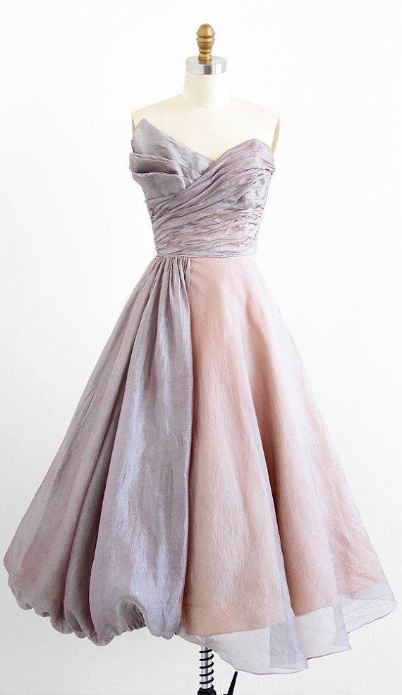 vintage late 1940s shimmering organza fairy tale dress | new look evening dresses | www.rococovintage.com