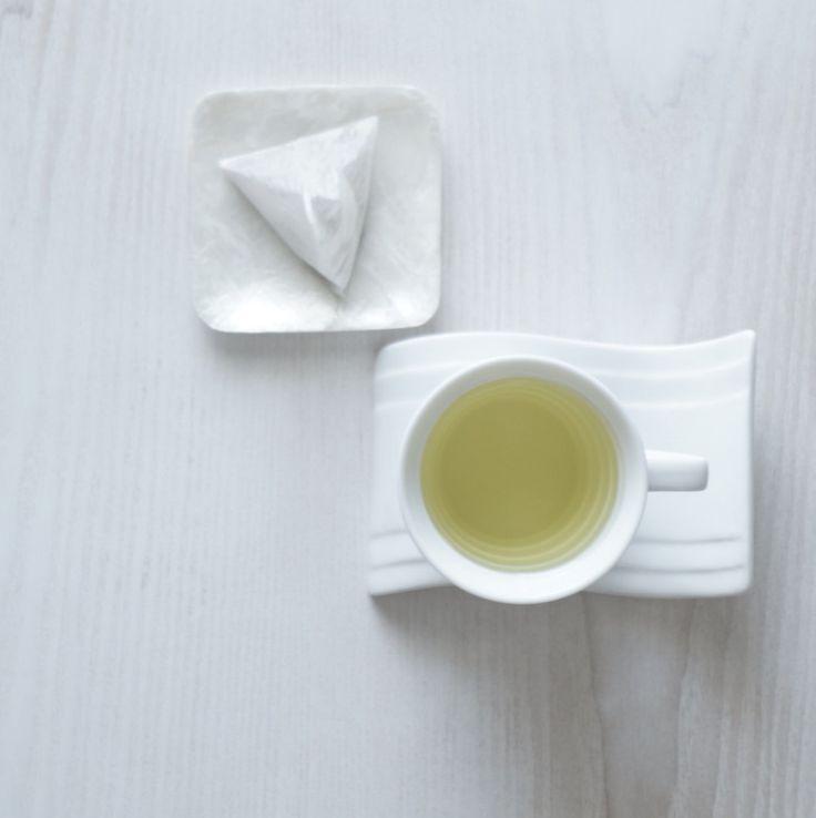 ノンカフェインのお茶:北海道産 韃靼そば茶 テトラパック(ティーポット用) 淹れるとすぐに香ばしい香りがふわっと立ち上がります。 一口飲んで「美味しいっっ!」と声を上げてしまうほどの絶品茶♡ しっかりとした味なのにしつこくないのも魅力です。