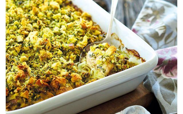 Annabel Langbein's chicken and leek gratin