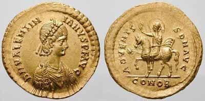 """Placidius Valentianus né en 419 à Ravenne, empereur en 425 sous le nom de VALENTINIEN III. Le poéte Sidoine Apollinaire rapporte qu'un Romain aurait dit à l'empereur, après l'assassinat d'AETIUS: """"J'ignore quels ont été vos griefs: mais je sais que vous avez agi comme un homme qui se sert de sa main gauche pour se couper la main droite"""" (Sidoine Apollinaire, Panégyrique d'Avite, 359)."""