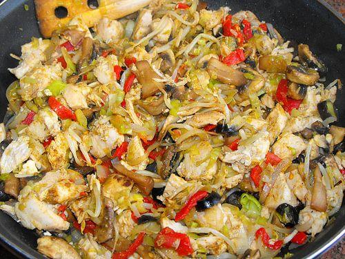 Peito de frango com legumes salteados   As receitas lá de ca…   Flickr
