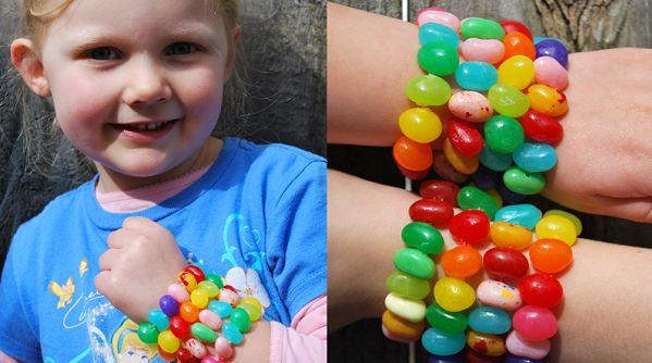Fabriquer des bracelets multicolores amusants pour les enfants!