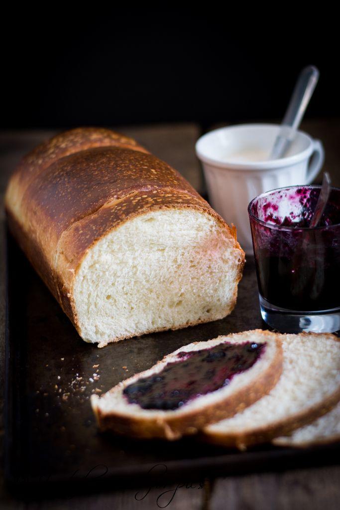 Un pane al latte , leggermente dolce