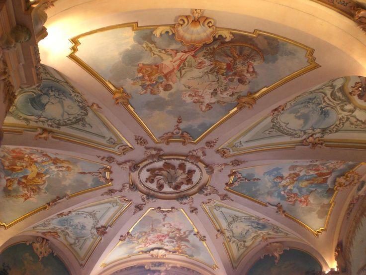 Numerose sono state infatti, nel corso degli ultimi anni, le occasioni in cui la Regione Marche si è espressa a favore del rinnovamento dell'immagine del museo inteso