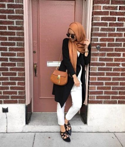 black with rust hijab outfit- Summer hijab trends http://www.justtrendygirls.com/summer-hijab-trends/