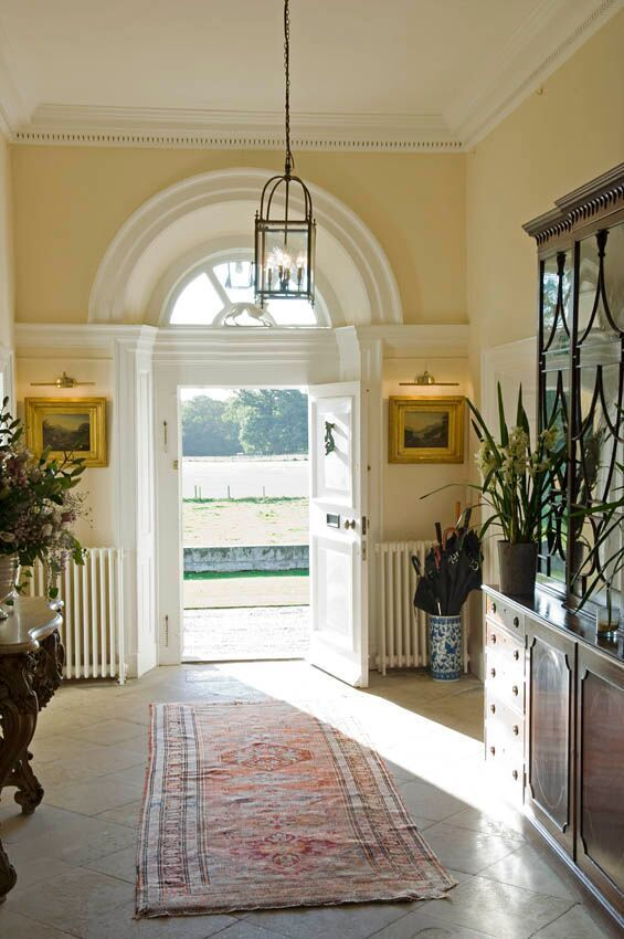 Sunshine galore and open doors at Iscoyd Park