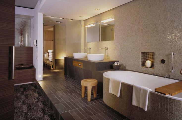 Baden im Luxus: Hotelzimmer mit Whirlpool in Berlin