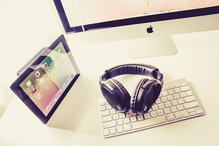 HiResStock » Premium and Free Hires Stock Photos for DesignerFree Hires Technology: iMac, iPad, and Headphone #2 » HiResStock