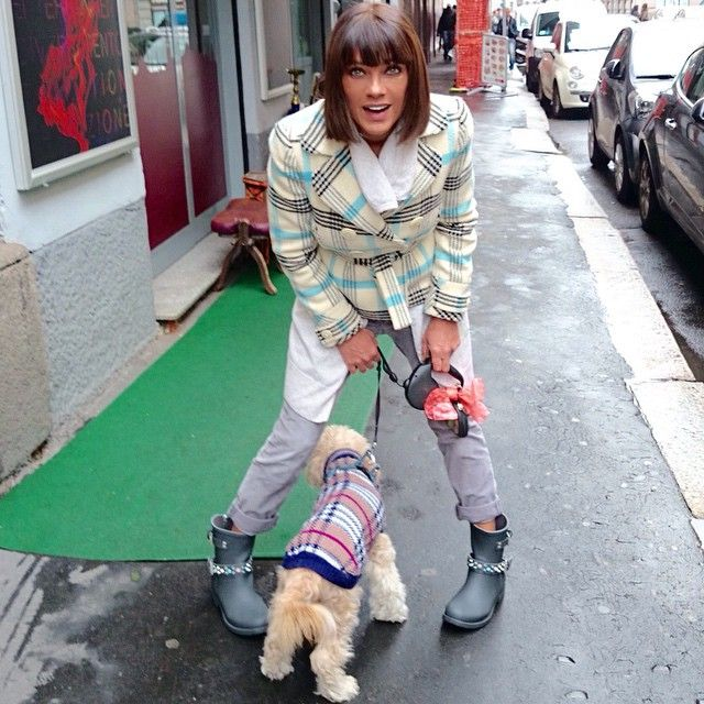 #AnaLauraRibas Ana Laura Ribas: Dog Fashion!!!Gogò #cool come sua madre!Va di moda lo scozzese... #Gogó #loveofmylife #dog #instamoment #instadog #boots #colorsofcalifornia #fashion #beauty #followme
