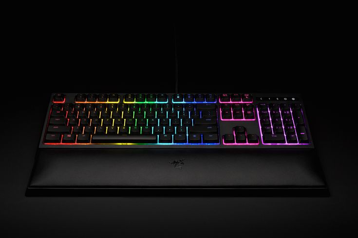 Features the new Razer Mecha-Membrane technology that provides a swift actuation for each key stroke, mid-height keycaps, for faster actuations, and Razer Chroma for stunning display and personalization.