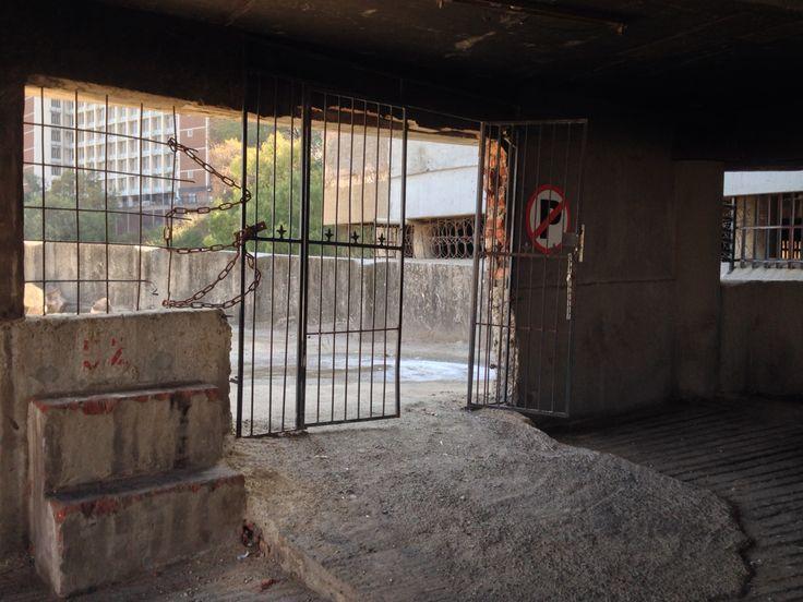 Random gate at Ponte Tower