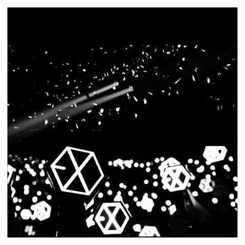 Download Wallpaper Lightstick Exo Wallpaper Rumput