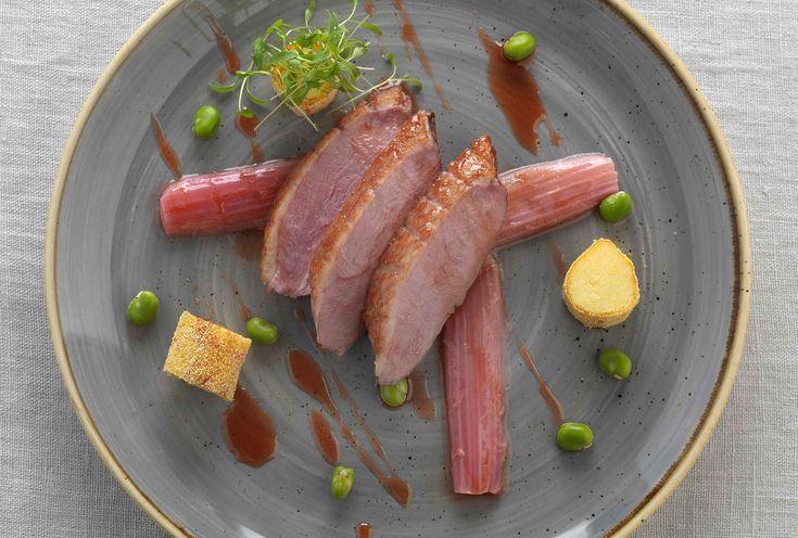 鴨胸肉、甘酸っぱいグラサージュ、揚げポレンタとルバーブを添えて  レシピはURLをクリック!