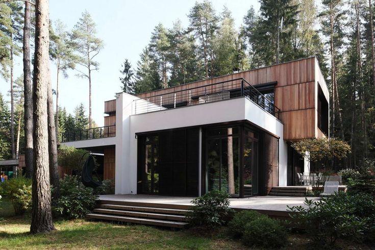 Домик в сосновом лесу (House in a Pine Forest) в России от Романа Леонидова (Roman Leonidov).